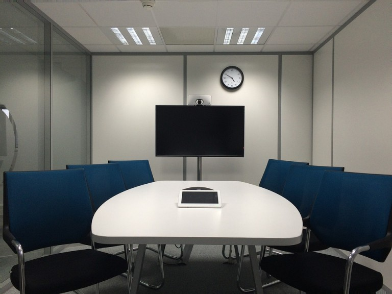 meeting-room-1806702_960_720
